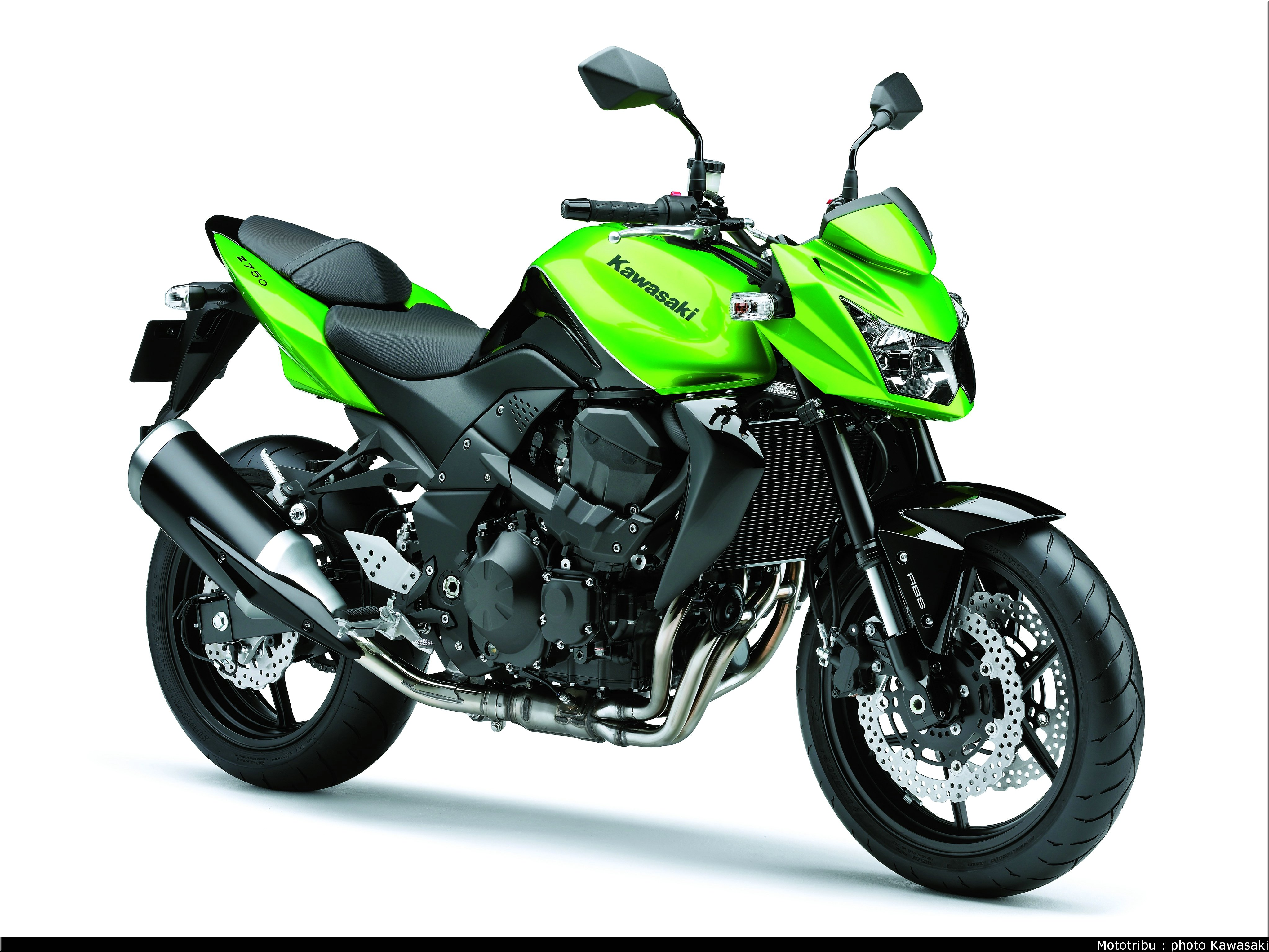 Mototribu : Kawasaki Z 750 2009